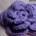 Floare crosetata cu 3 randuri de petale